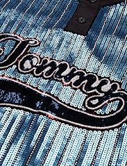 Tommy Hilfiger - SEQUINED BASEBALL SHIRT DRESS SS - t-skjortekjoler - forever blue / multi - 2