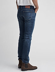 Tommy Hilfiger - DENTON B MIDDLE BLUE STRETCH - slim jeans - middle blue - 5