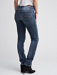 Tommy Hilfiger - HERITAGE ROME STRAIG - boot cut jeans - denim - 6