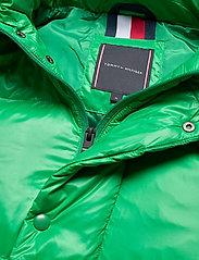 Tommy Hilfiger - SHINY HOODED BOMBER - padded jackets - jolly green - 6