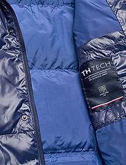 Tommy Hilfiger - SHINY HOODED BOMBER - padded jackets - maritime blue - 8