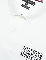 Tommy Hilfiger - HILFIGER ARTWORK REG - short-sleeved polos - white - 2