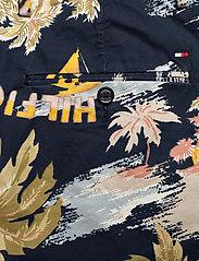 Tommy Hilfiger - BROOKLYN SHORT HAWAI - chinos shorts - desert sky - 4