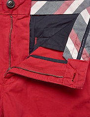 Tommy Hilfiger - BROOKLYN SHORT LIGHT TWILL - chinos shorts - primary red - 3