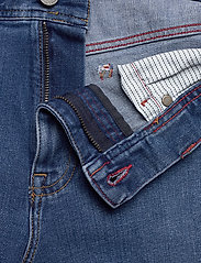 Tommy Hilfiger - BROOKLYN 5PKT SHORT - denim shorts - alvin blue - 3