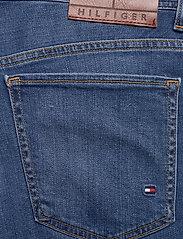 Tommy Hilfiger - BROOKLYN 5PKT SHORT - denim shorts - alvin blue - 4
