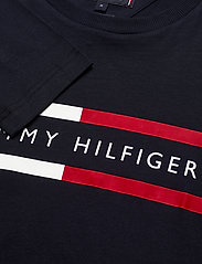 Tommy Hilfiger - CORP CHEST STRIPE LS TEE - long-sleeved t-shirts - desert sky - 2