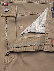 Tommy Hilfiger - STRAIGHT DENTON STR COLOUR - slim jeans - faded military - 3