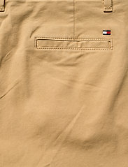 Tommy Hilfiger - HERITAGE SLIM FIT CHINO - chinos - classic camel - 4