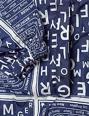 Tommy Hilfiger - SUKI PACKABLE WINDBR - vestes legères - scarf prt ow / medieval blue - 4