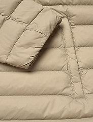 Tommy Hilfiger - TH ESSENTIAL LW DWN - down- & padded jackets - surplus khaki - 5