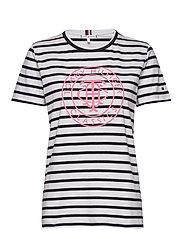 TH COOL ESS RELAXED GRAPHIC TEE - BRETON STP / DESERT SKY WHITE