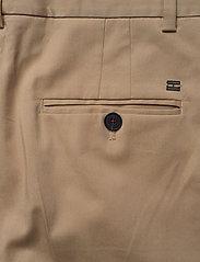 Tommy Hilfiger - TH ESS COTTON TENCEL SLIM CHINO - straight leg trousers - beige - 4