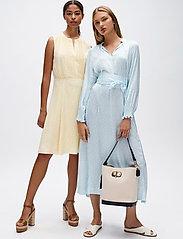 Tommy Hilfiger - DANEE DRESS SS - midi dresses - posy prt / sunray - 0