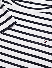 Tommy Hilfiger - TANJA RELAXED BOAT-N - striped t-shirts - breton stp / desert sky - whit - 2