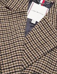 Tommy Hilfiger - DB WOOL BLEND PATTERN COAT - wool coats - amelie blazer chk large beige - 2