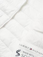 Tommy Hilfiger - NYLON LW PADDED JACKET - winter jackets - ecru - 4
