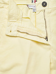 Tommy Hilfiger - CO TENCEL CHINO SLIM PANT - chinos - frosted lemon - 3