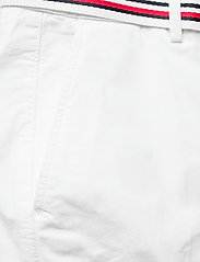 Tommy Hilfiger - CO TENCEL CHINO SLIM PANT - chinos - white - 4