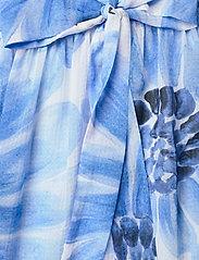 Tommy Hilfiger - ABO GIANT DAISY LONG DRESS - sommerkjoler - sweet blue/multi - 4