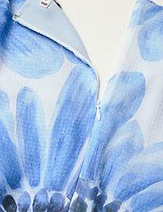 Tommy Hilfiger - ABO GIANT DAISY LONG DRESS - sommerkjoler - sweet blue/multi - 5
