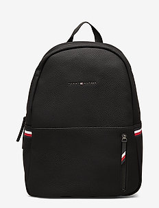 ESSENTIAL BACKPACK - BLACK