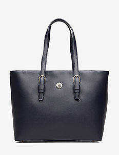 CLASSIC SAFFIANO EW TOTE - fashion shoppers - sky captain
