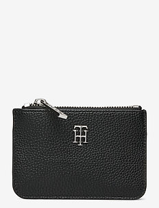 TH ESSENCE SMALL POUCH - black