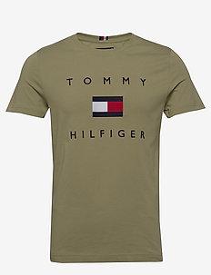 TOMMY FLAG HILFIGER TEE - kurzarmhemden - faded olive