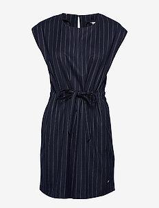 FRANKIE DRESS NS, 0B - PIN STRIPE SKY CAPTAIN