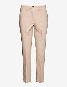 SLUB COTTON SLIM PANT - slim fit spodnie - sahara tan