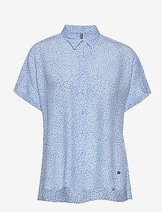 RAELIN SHIRT SS - kortærmede skjorter - ditsy floral light iris blue
