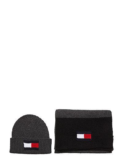 Big Flag Scarf & Bea Accessories Headwear Beanies Schwarz TOMMY HILFIGER