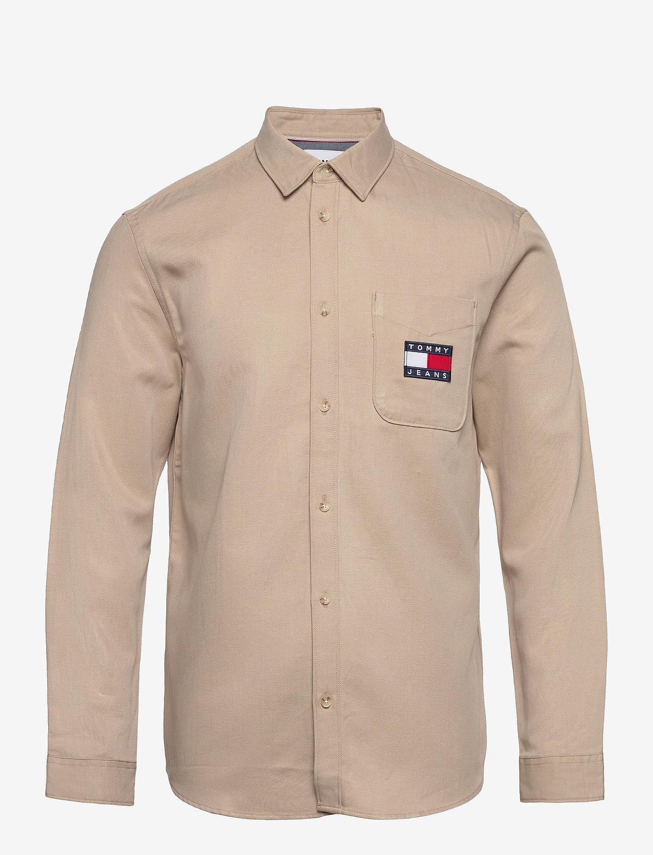 Tommy Jeans - TJM BADGE TENCEL TWILL SHIRT - basic skjortor - soft beige - 0