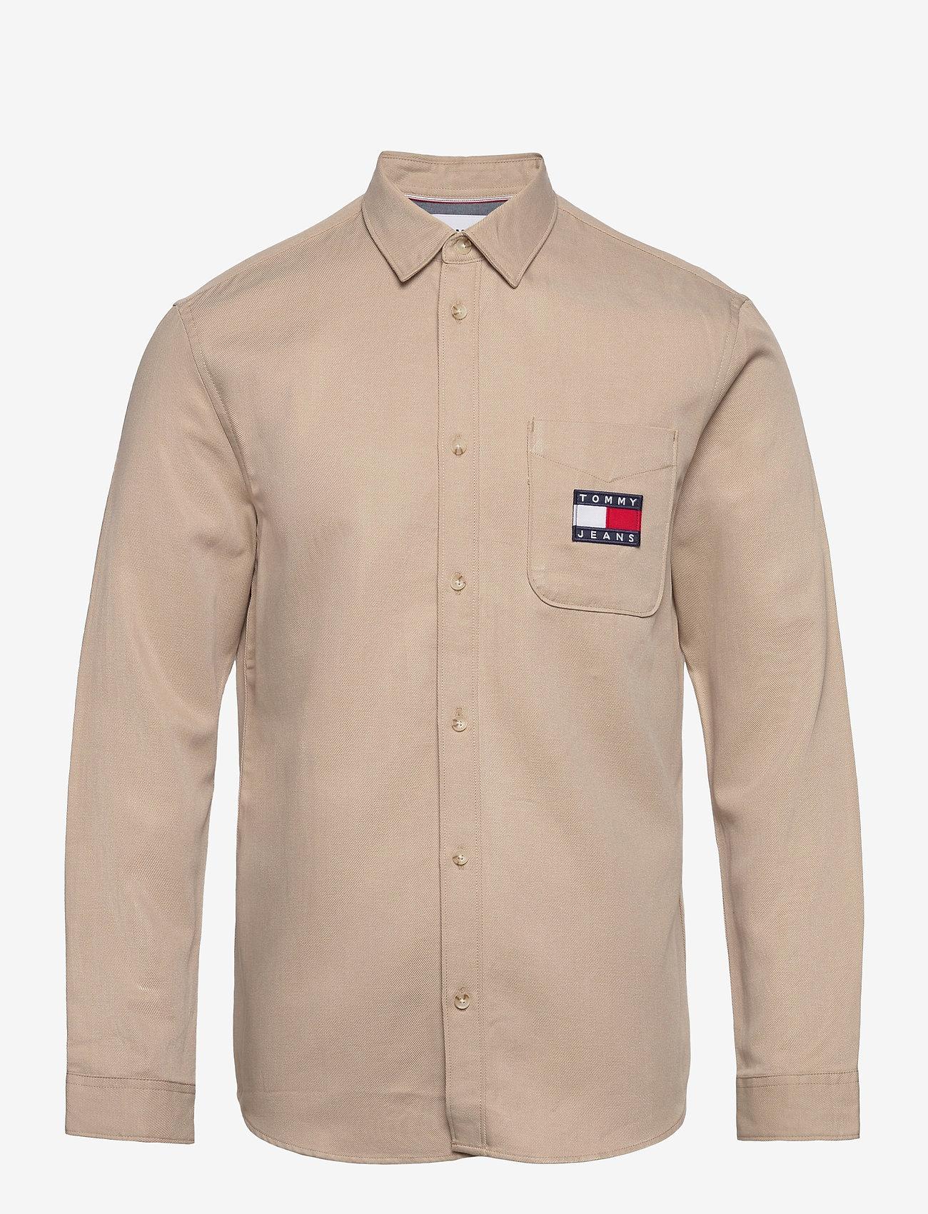 Tommy Jeans - TJM BADGE TENCEL TWILL SHIRT - basic skjortor - soft beige - 1