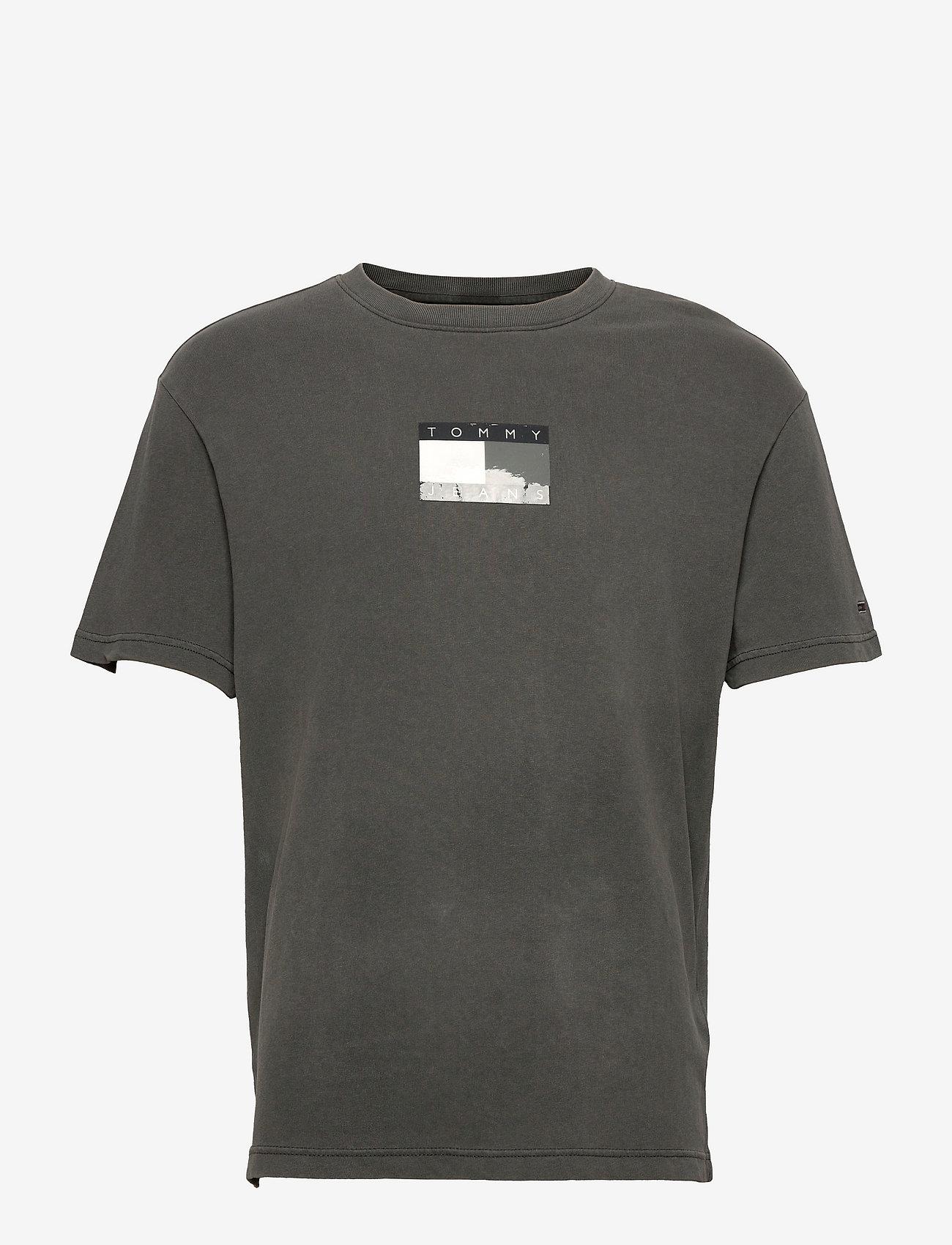 Tommy Jeans - TJM TONAL FLAG TEE - t-shirts à manches courtes - black - 0
