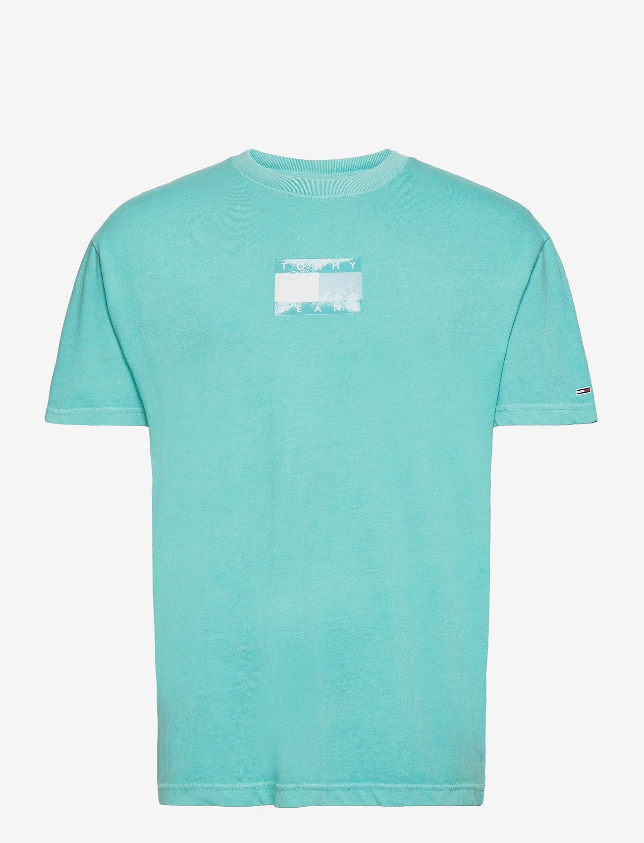 Tommy Jeans - TJM TONAL FLAG TEE - kortärmade t-shirts - chlorine blue - 0