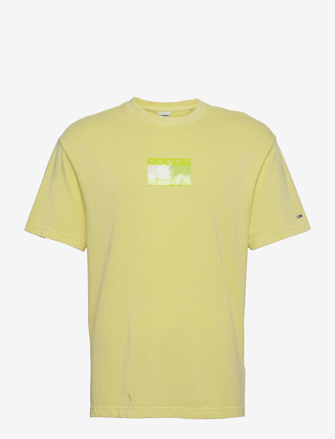 Tommy Jeans - TJM TONAL FLAG TEE - kortärmade t-shirts - faded lime - 0