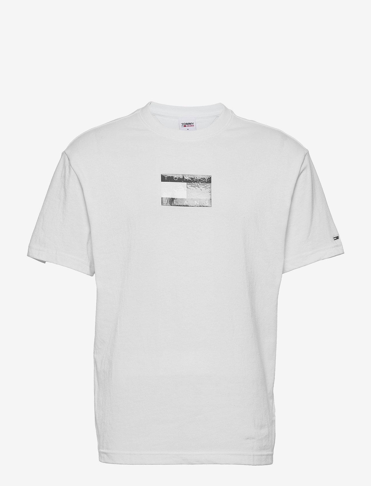 Tommy Jeans - TJM TONAL FLAG TEE - kortärmade t-shirts - white - 0
