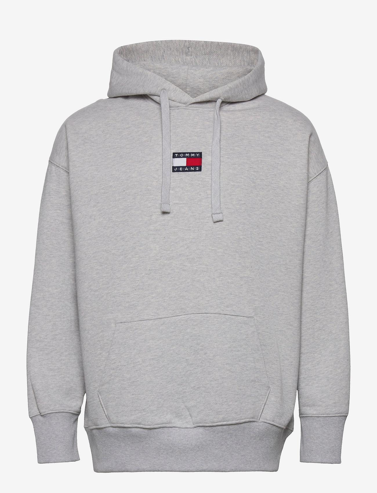 Tommy Jeans - TJM TOMMY BADGE HOODIE - hoodies - silver grey htr - 0