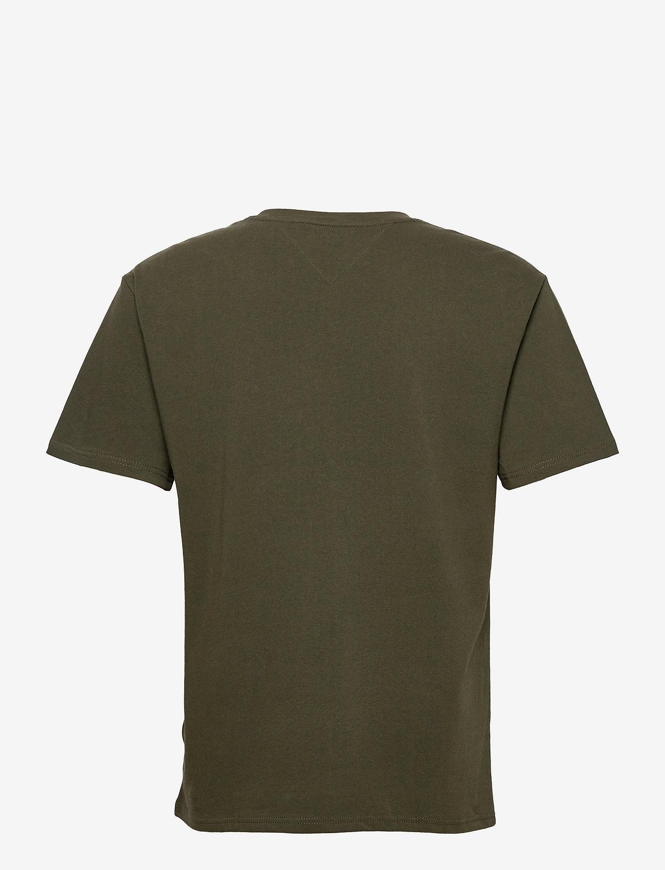 Tommy Jeans - TJM TOMMY BADGE TEE - kortärmade t-shirts - dark olive - 1