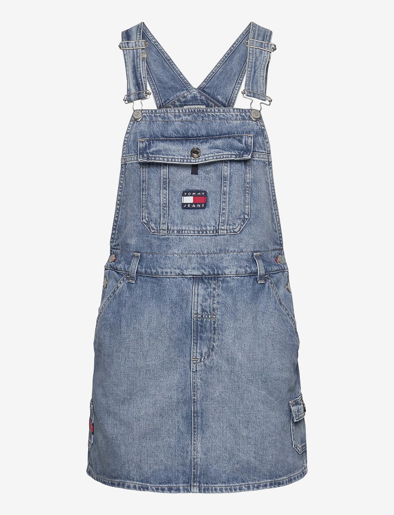 Tommy Jeans - DUNGAREE DRESS CRLT - denim dresses - carol lt bl rig - 0