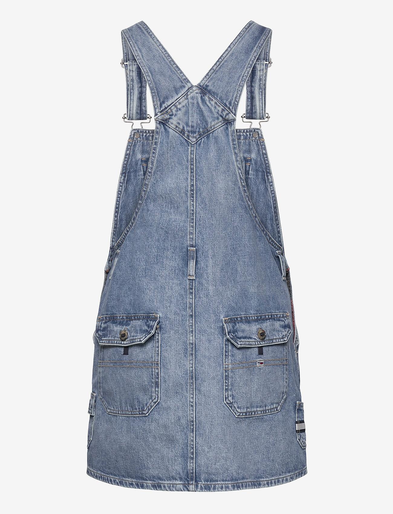 Tommy Jeans - DUNGAREE DRESS CRLT - denim dresses - carol lt bl rig - 1