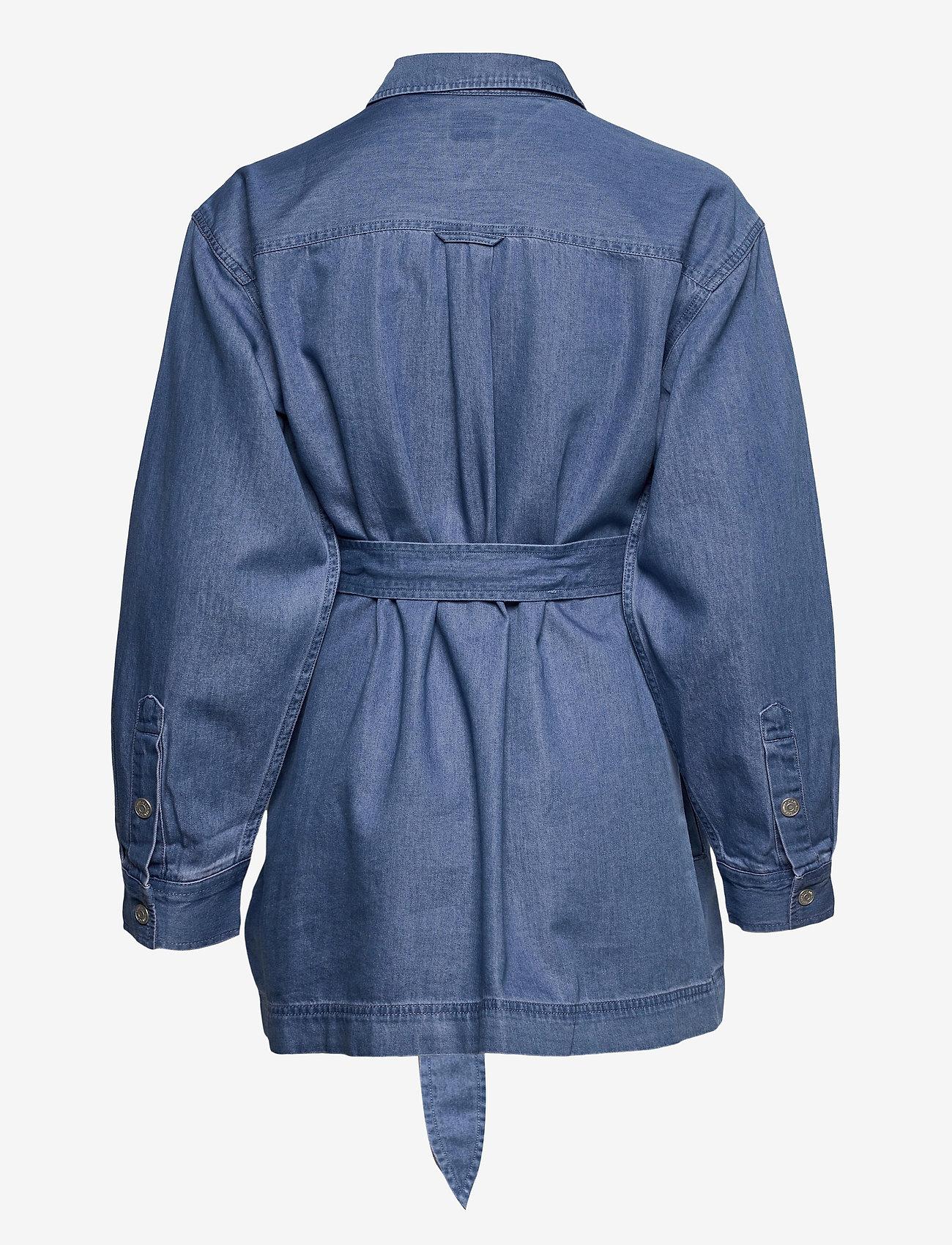 Tommy Jeans - TJW BOYFRIEND BELTED OVERSHIRT - kläder - mid indigo - 1