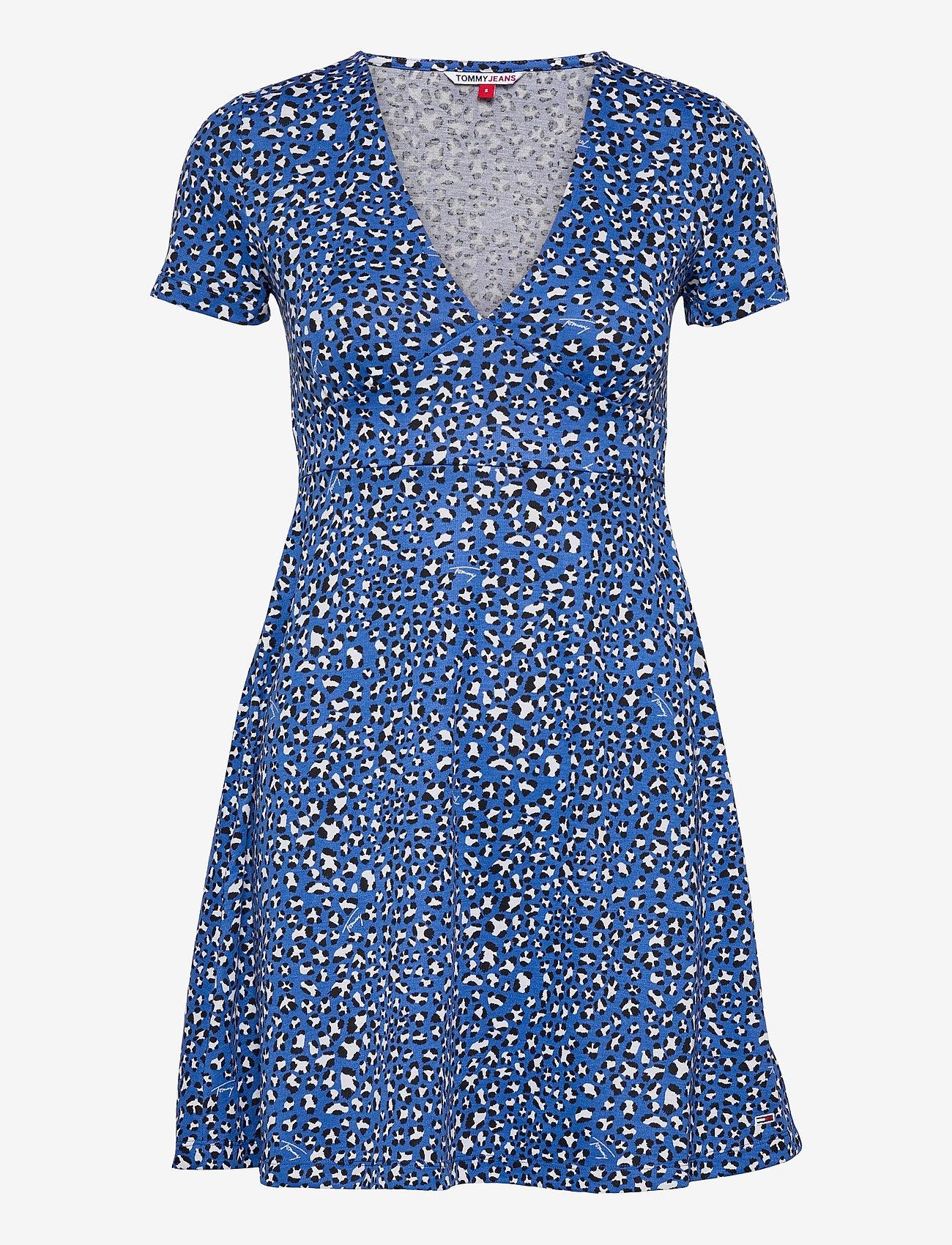 Tommy Jeans - TJW FIT FLARE LEO PRINT DRESS - sommarklänningar - abstract leopard print - 0