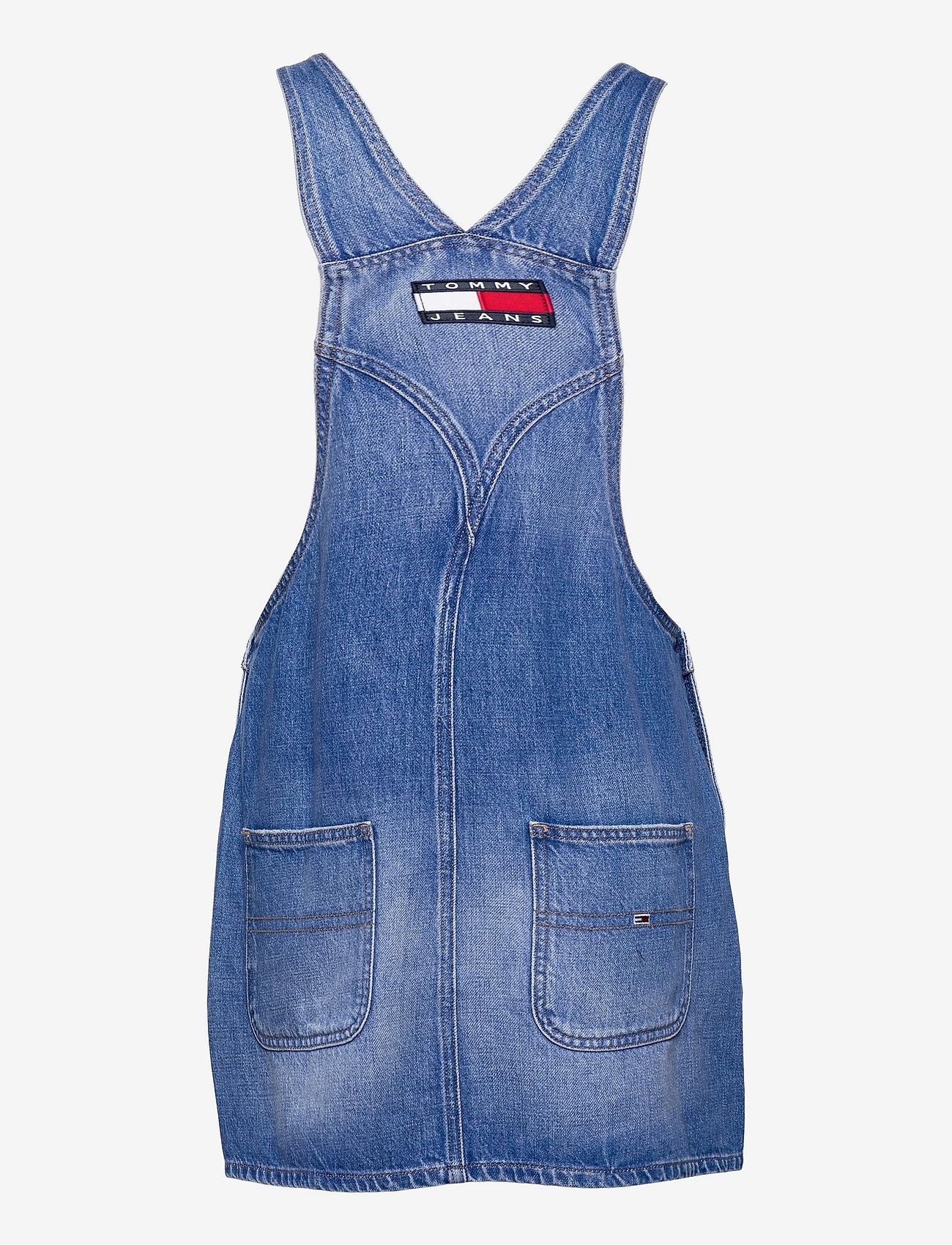 Tommy Jeans - CLASS DUNGAREE DRESS AE633 HYMBR - summer dresses - denim medium - 1