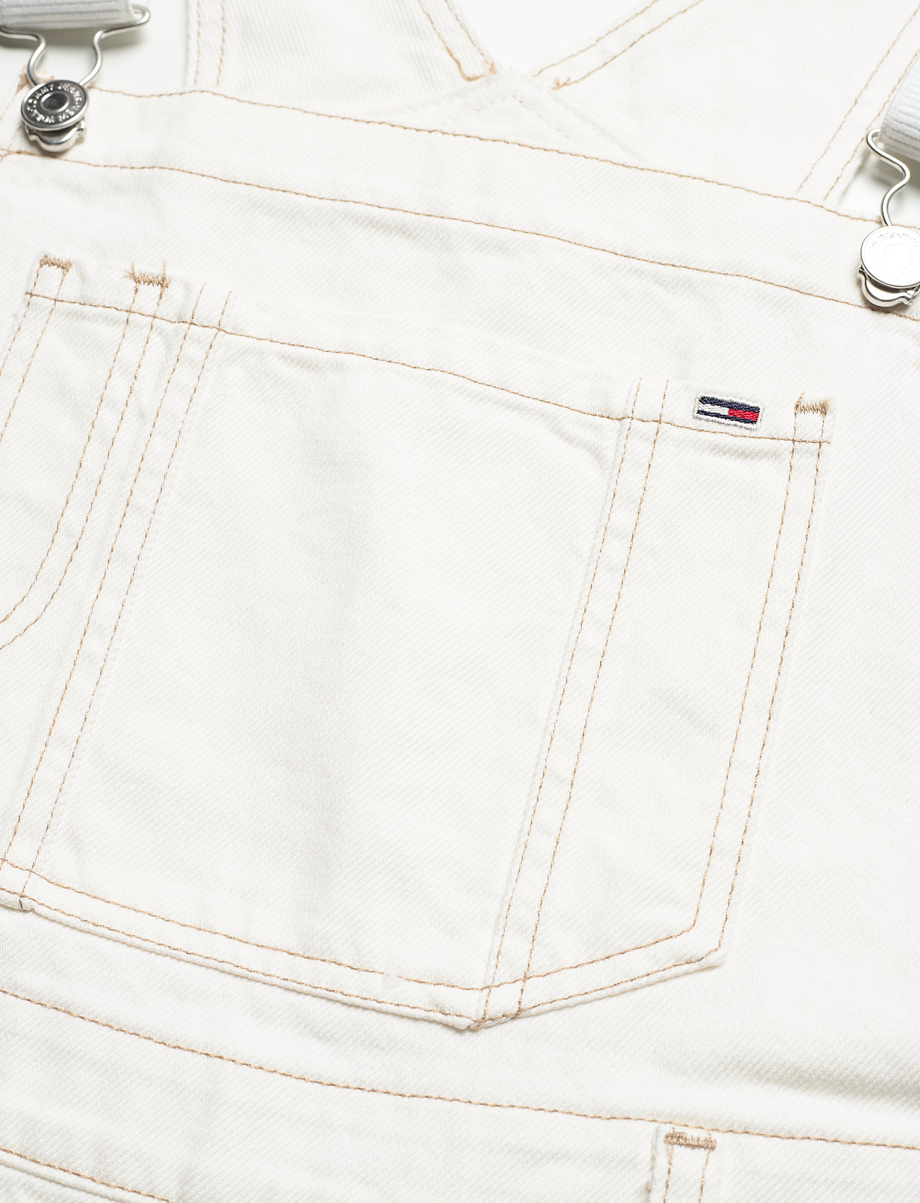 Tommy Jeans - OVERSIZE DUNGAREE SHORT SSPWR - clothing - save sp white rgd - 2