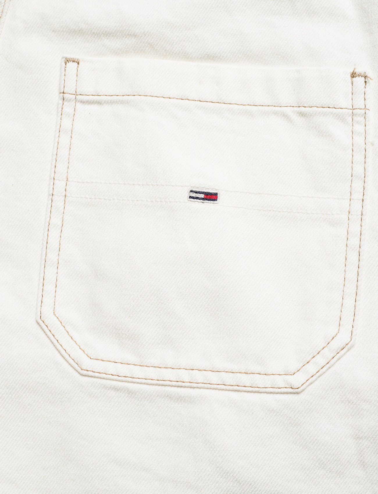Tommy Jeans - OVERSIZE DUNGAREE SHORT SSPWR - clothing - save sp white rgd - 4