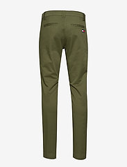 Tommy Jeans - TJM SCANTON CHINO PANT - chinos - cypress - 1