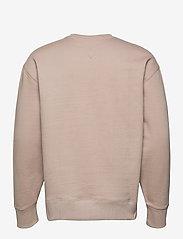 Tommy Jeans - TJM TOMMY BADGE CREW - kläder - soft beige - 1